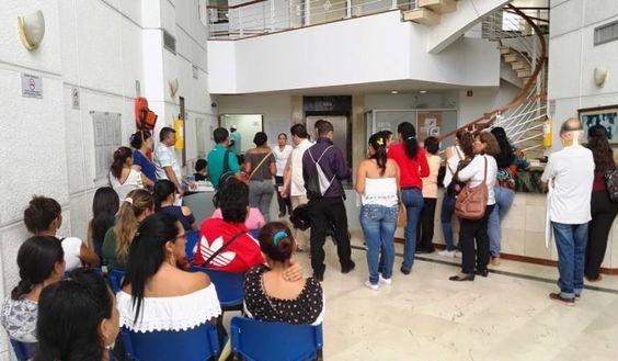 Dos mil médicos y trabajadores de la Salud quedarán cesantes en Antioquia