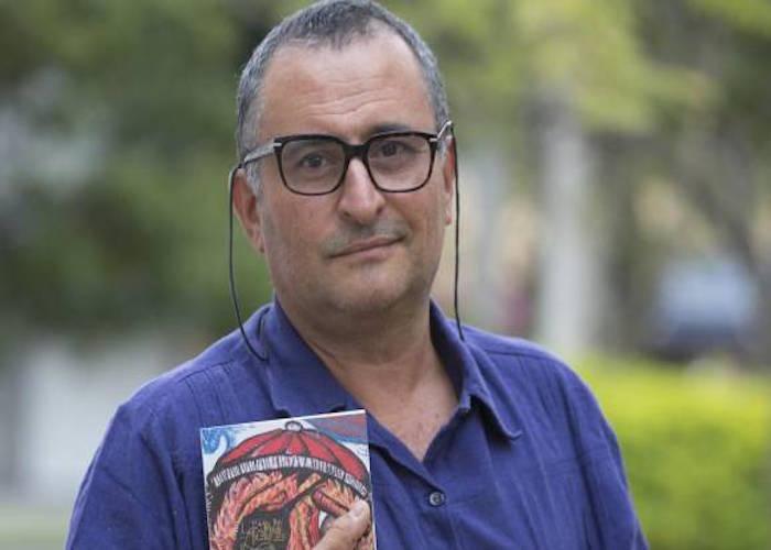 Médico Emilio Restrepo habla de «Y nos robaron la clínica» en RCN Radio