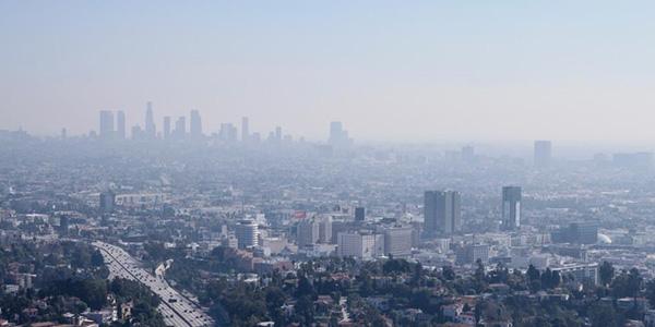 Contaminación del aire, tan peligrosa como fumar 20 cigarrillos al día