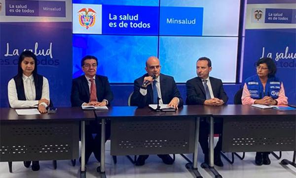El Ministerio de Salud eleva el riesgo para Colombia frente al coronavirus de bajo a moderado